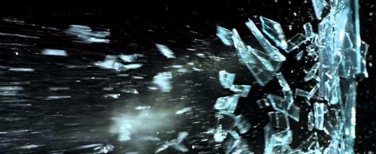 Επεισόδιο μεταξύ οδηγών στο Αγρίνιο – Έβγαλε γκλοπ και έσπασε τζάμι του αυτοκινήτου