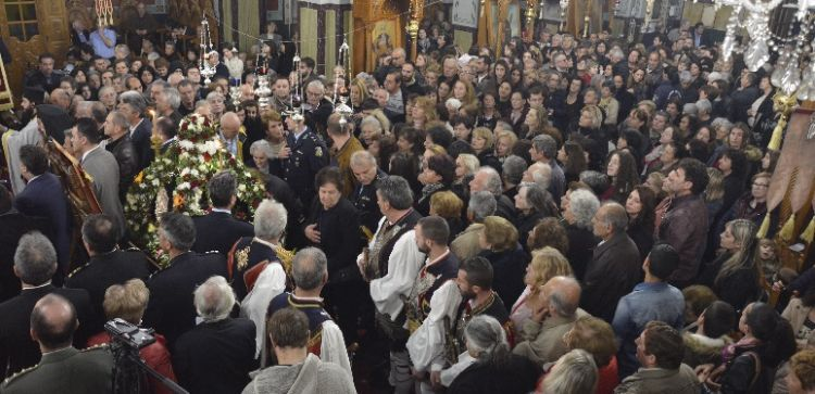 Μεγαλειώδης υποδοχή της Τιμίας Ζώνης της Θεοτόκου στο Μεσολόγγι (ΔΕΙΤΕ ΦΩΤΟ)