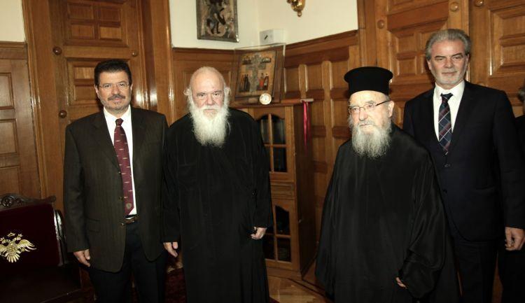 Συνάντηση του Μητροπολίτη κ.κ. Κοσμά και του Δημάρχου Αμφιλοχίας με τον Αρχιεπίσκοπο (ΔΕΙΤΕ ΦΩΤΟ)