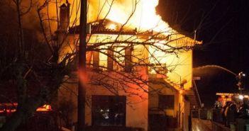 Δυτική Ελλάδα: Εξασφαλίστηκε με παρέμβαση της Περιφέρειας στέγη για την πολυμελή οικογένεια που κάηκε το σπίτι της