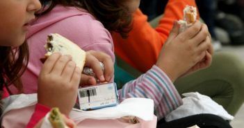 """""""Με ευθύνη της κυβέρνησης κόβονται τα σχολικά γεύματα σε σχολεία του Μεσολογγίου"""""""