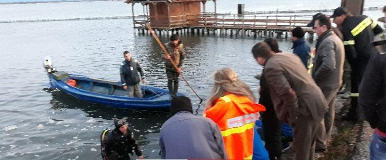 Τραγωδία στην Τουρλίδα – Αυτοκίνητο τραυμάτισε σοβαρά ψαρά και έπεσε στη θάλασσα – Νεκρός ο οδηγός! (ΔΕΙΤΕ ΦΩΤΟ)