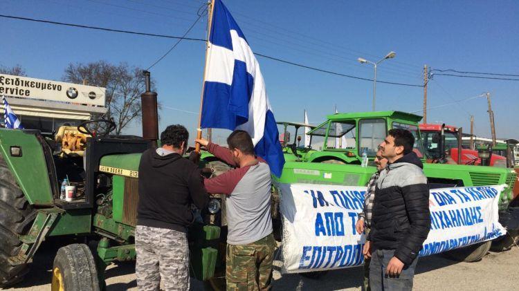 Σε ποιά σημεία έστησαν μπλόκα οι αγρότες στη Δυτική Ελλάδα – Ετοιμάζουν υποδοχή Τσίπρα στην Πάτρα