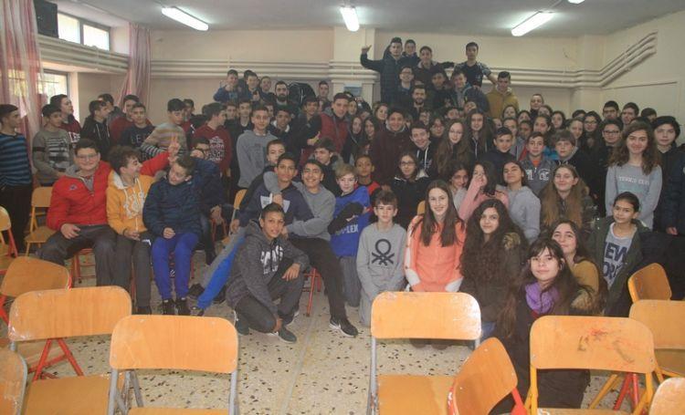 Τα βίντεο της επίσκεψης αντιπροσωπείας του Α.Ο. Αγρινίου στο 2ο Γυμνάσιο και των δηλώσεων του Διευθυντή Γεώργιου Κομπορόζου