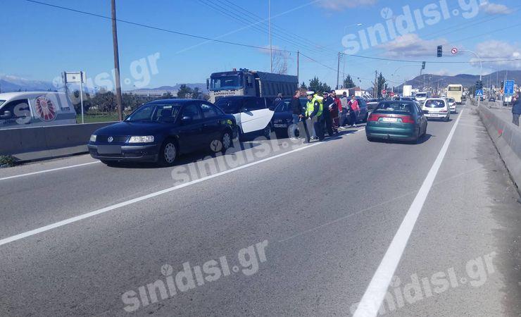Αγρίνιο: Απίστευτη καραμπόλα έξι οχημάτων στην Εθνική Οδό! (ΔΕΙΤΕ ΦΩΤΟ)