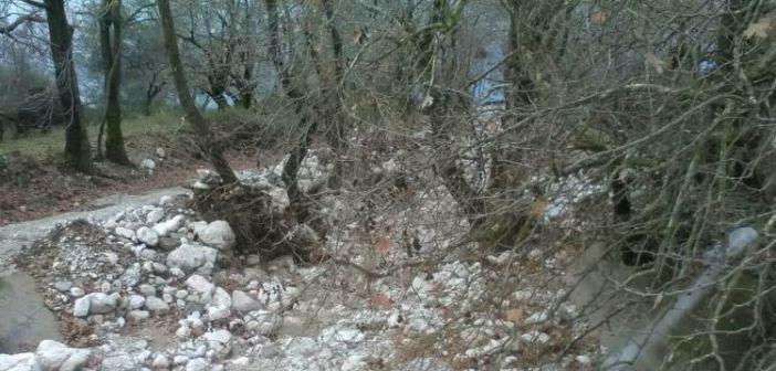Σε επαγρύπνηση για τις πληγείσες περιοχές πέριξ της Τριχωνίδας (ΔΕΙΤΕ ΦΩΤΟ)