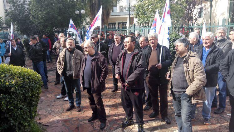 Μαζική διαμαρτυρία στο Αγρίνιο ενάντια στους ηλεκτρονικούς πλειστηριασμούς (ΔΕΙΤΕ ΦΩΤΟ)