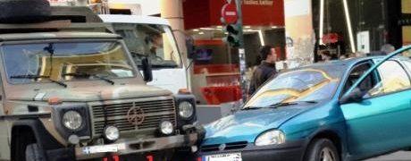 Τροχαίο με στρατιωτικό όχημα στο κέντρο της Πάτρας – Έκλεισε η Μαιζώνος (ΔΕΙΤΕ ΦΩΤΟ)