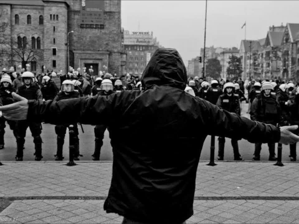 Αντιφασίστες μαθητές Αγρινίου: Η Αστυνομία μας αντιμετώπισε σαν εγκληματίες – Καταγγελία για ξυλοδαρμό και ρατσιστική επίθεση