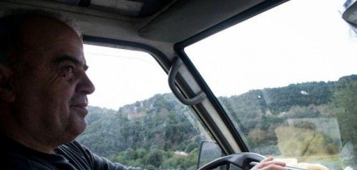 Μία μέρα με έναν υπαίθριο πωλητή παπουτσιών στα ορεινά χωριά της Αιτωλοακαρνανίας (ΔΕΙΤΕ ΦΩΤΟ)