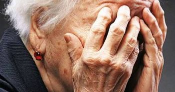 """Δυτική Ελλάδα: Πως ο """"φίλος"""" γιου ηλικιωμένη της αφαίρεσε 12.000 ευρώ"""