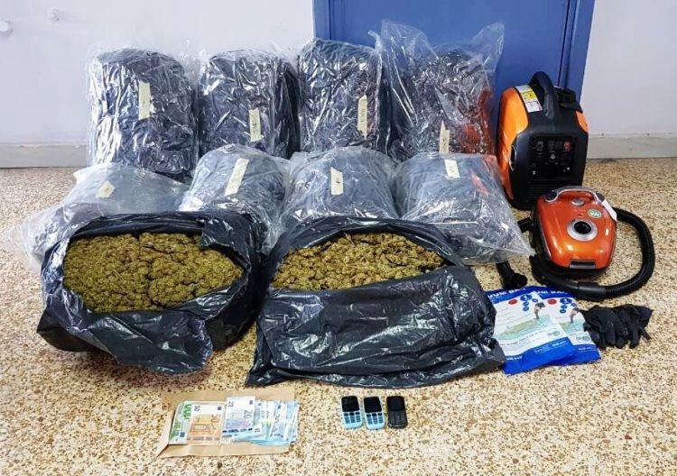 Ναύπακτος: Ηχηρό χτύπημα κατά της διακίνησης ναρκωτικών από την Ασφάλεια Αττικής! (ΔΕΙΤΕ ΦΩΤΟ)