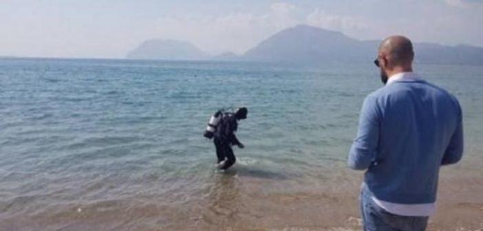 Δυτική Ελλάδα: Δύτες κάνουν εργασίες για τοποθέτηση διχτυών για μέδουσες