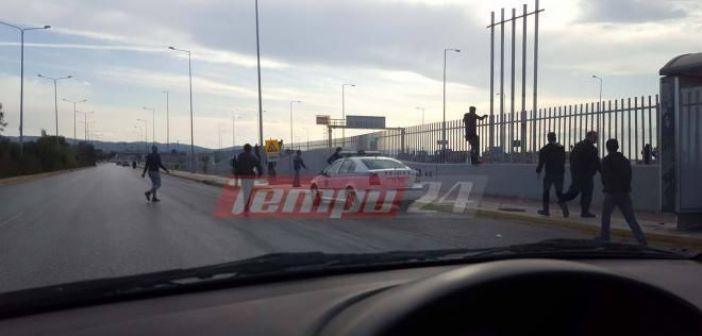 Δυτική Ελλάδα: Οδηγός φορτηγού απειλήθηκε από μετανάστη με όπλο – Τι δήλωσε στους λιμενικούς