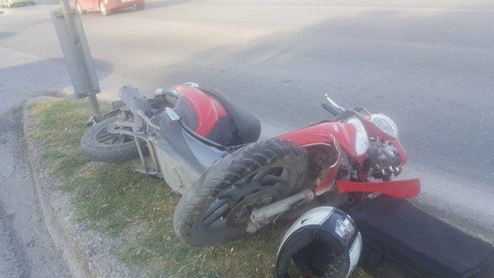 Ναύπακτος: Τροχαίο ατύχημα με τραυματισμό στην Παλαιοπαναγιά (ΔΕΙΤΕ ΦΩΤΟ)