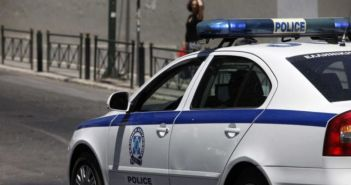 Σύλληψη ανήλικης για παράνομο υπαίθριο εμπόριο στη Ναύπακτο
