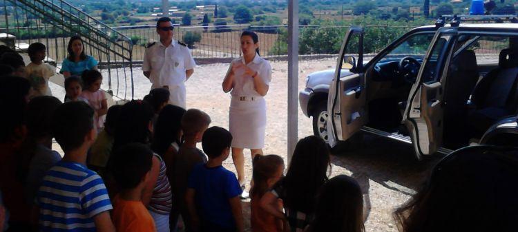 Επίσκεψη στο νηπιαγωγείο και το δημοτικό Αετού από τη λιμενική αρχή Αμφιλοχίας