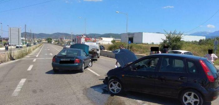 Αγρίνιο: Σφοδρή σύγκρουση οχημάτων στην Εθνική Οδό (ΔΕΙΤΕ ΦΩΤΟ)