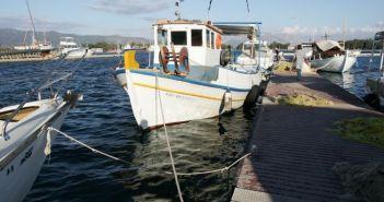 Αντιμετώπιση προβλημάτων στην πλωτή εξέδρα του αλιευτικού καταφυγίου στο Λιμάνι Μεσολογγίου