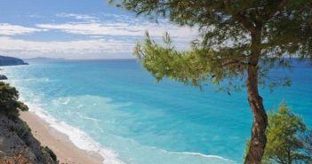 Ιόνιο: Οι 7 παραλίες που μπήκαν στο μικροσκόπιο, μετά την κατολίσθηση στο Ναυάγιο