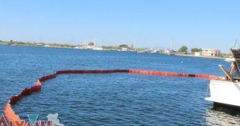 Διαρροή λαδιού από σκάφος στο λιμάνι του Μεσολογγίου (ΔΕΙΤΕ ΦΩΤΟ)