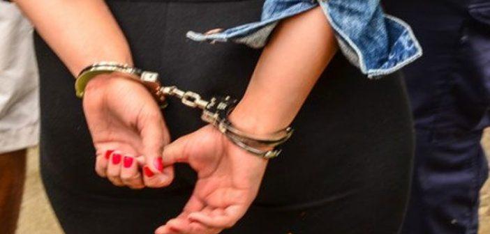 Αγρίνιο: Χειροπέδες σε 32χρονη έκλεψε κάρτες paysafe