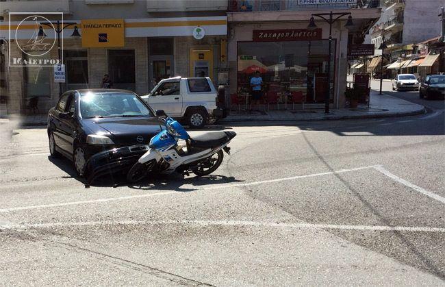 Τροχαίο με τραυματισμό μοτοσικλετιστή στον κόμβο Αμφιλοχίας (ΔΕΙΤΕ ΦΩΤΟ)