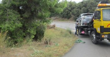 Λευκάδα: Εκτροπή αυτοκινήτου στο δρόμο προς Τσουκαλάδες (ΔΕΙΤΕ ΦΩΤΟ)
