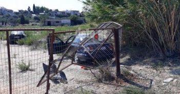 Δυτική Ελλάδα: Σύγκρουση οχημάτων – Βρέθηκαν μέσα σε χωράφι… αφού ξήλωσαν τις πόρτες (ΔΕΙΤΕ ΦΩΤΟ)