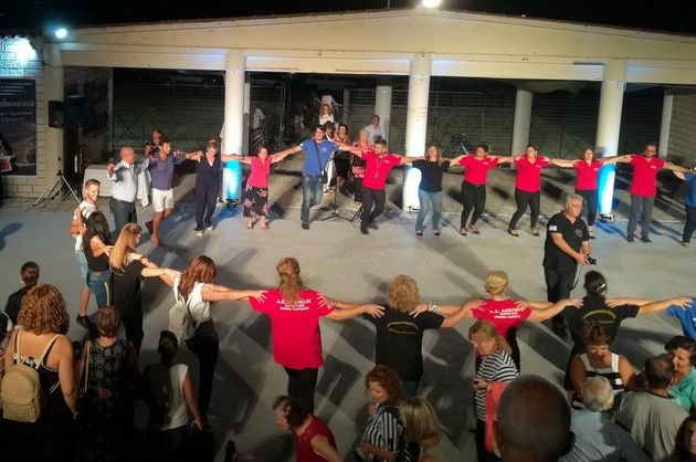"""Με παραδοσιακούς χορούς ξεκίνησαν τα """"Λιμνοθαλασσιώτικα 2018"""" (ΔΕΙΤΕ ΦΩΤΟ)"""