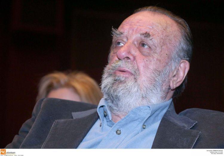 Έφυγε από τη ζωή o γνωστός Έλληνας σκηνοθέτης Δήμος Θέος!