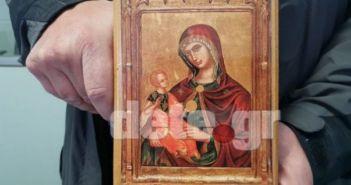 Δυτική Ελλάδα: Εκσφενδόνισαν στον δρόμο… την εικόνα της Παναγίας! – Σοκ για διερχόμενο η οργή των πιστών αίρεσης (ΦΩΤΟ)