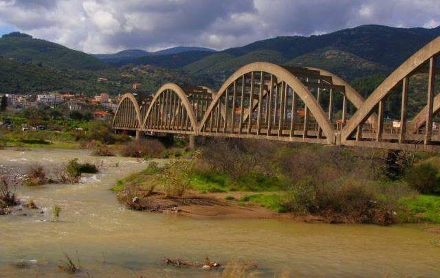 Μελέτη για άμεση αποκατάσταση στην παλιά γέφυρα Μόρνου