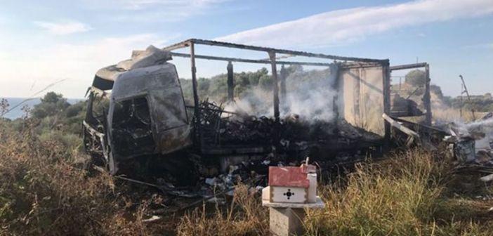 Τραγωδία στην Καβάλα: 11 μετανάστες απανθρακώθηκαν μετά από σύγκρουση ΙΧ με φορτηγό (ΔΕΙΤΕ ΦΩΤΟ)
