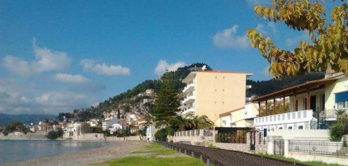 Ναύπακτος: Τι θα γίνει με το τουριστικό καταφύγιο, την πλωτή εξέδρα και την πεζογέφυρα