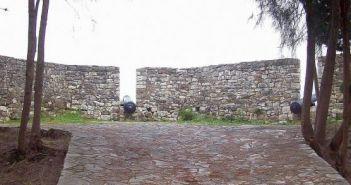 Αυτοψία στο Τείχος του Μεσολογγίου που περιβάλλει τον Κήπο των Ηρώων