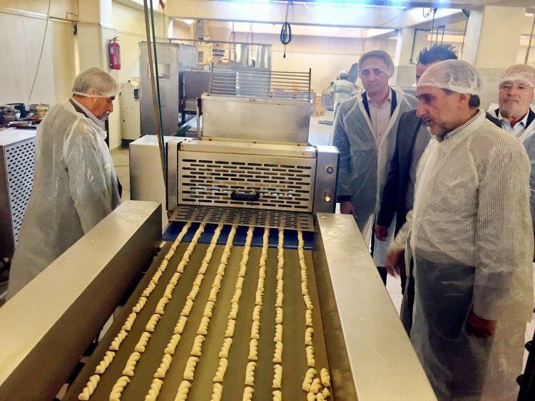 Η Περιφέρεια Δυτικής Ελλάδας στο πλευρό των μικρομεσαίων επιχειρήσεων – Ξενάγηση Κατσιφάρα στην επιχείρηση «Αγρινιώτικο ΑΕΒΕ» (ΦΩΤΟ)