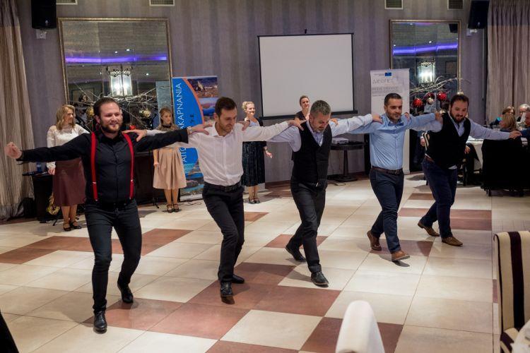 Ο Λαογραφικός Όμιλος της Γυμναστικής Εταιρείας Αγρίνιου στο Διεθνές Συνέδριο της Ένωσης Ευρωπαίων Δημοσιογράφων (ΔΕΙΤΕ ΦΩΤΟ)