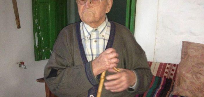 """Πετροχώρι Θέρμου: """"Έφυγε"""" ο Αντωνάκης Σαγώνας σε ηλικία 108 ετών (ΔΕΙΤΕ VIDEO)"""