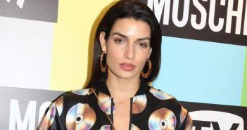 Τόνια Σωτηροπούλου: Εκκεντρική εμφάνιση σε fashion event στο κέντρο της Αθήνας (ΔΕΙΤΕ ΦΩΤΟ)