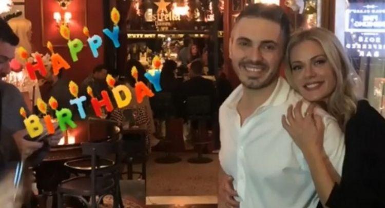 Γενέθλια για τον Μιχάλη Χατζηγιάννη: Η τούρτα-υπερπαραγωγή και το τρυφερό φιλί με τη Ζέτα Μακρυπούλια! (ΔΕΙΤΕ VIDEO + ΦΩΤΟ)