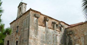 Σύμπλεγμα τριών βυζαντινών ναών στην Αγία Σοφία Θέρμου (VIDEO)