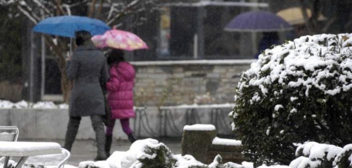 Καιρός: Χιόνια, κρύο και μποφόρ – Πάρτε ομπρέλα