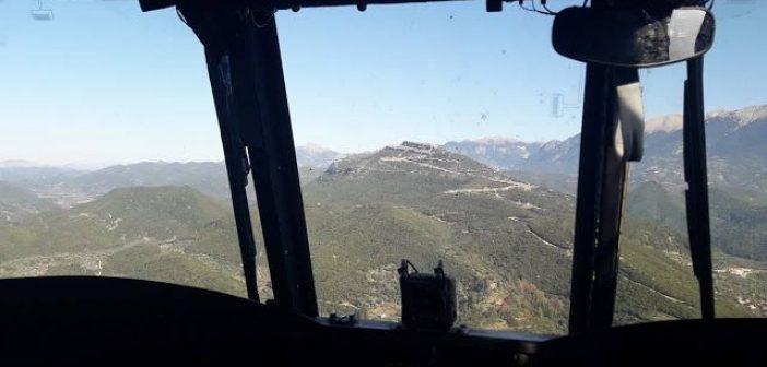 """Πτήση με """"Σινούκ"""" πάνω από τον Βλοχό και το Καινούριο! (ΔΕΙΤΕ ΦΩΤΟ + VIDEO)"""