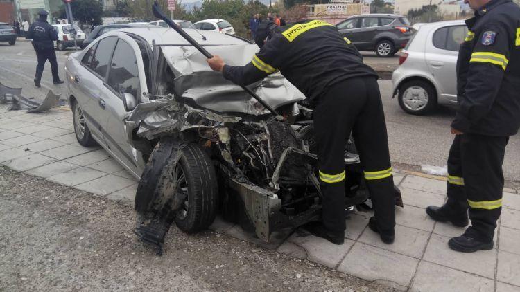 Αγρίνιο: Σύγκρουση Ι.Χ. με λεωφορείο Υπεραστικού ΚΤΕΛ στην Εθνική Οδό – Μία γυναίκα στο Νοσοκομείο (ΔΕΙΤΕ ΦΩΤΟ)