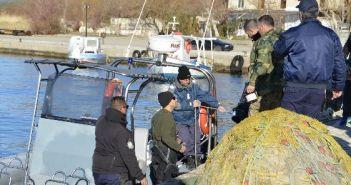 8 σκάφη του Λιμενικού, ελικόπτερα και αλιευτικά ψάχνουν για τον πιλότο (ΔΕΙΤΕ ΦΩΤΟ)