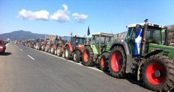 Αιτωλοακαρνανία: Κλείνουν την Ιόνια Οδό οι αγρότες στον κόμβο Μπάγια στο Χαλίκι