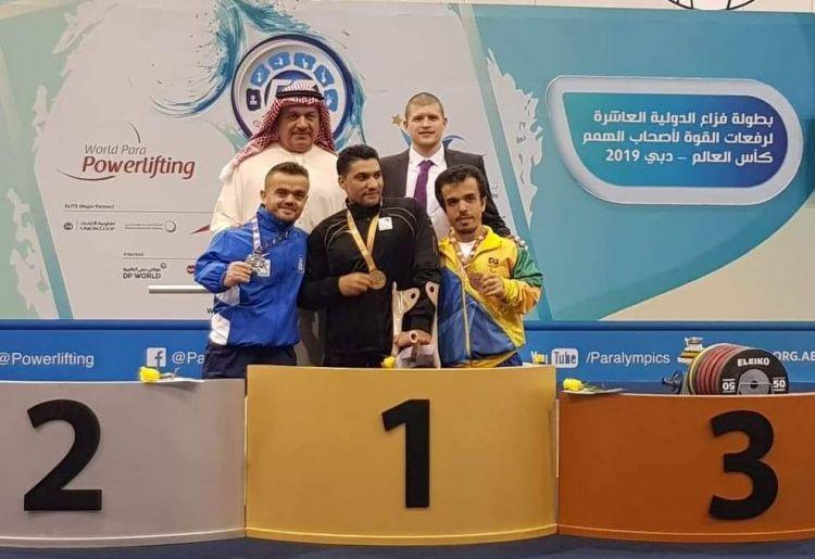 Παγκόσμιο Κύπελλο Άρσης Βαρών: Ασημένιο μετάλλιο στο Ντουμπάι για τον Δ. Μπακοχρήστο από το Μοναστηράκι Βόνιτσας (ΔΕΙΤΕ ΦΩΤΟ)