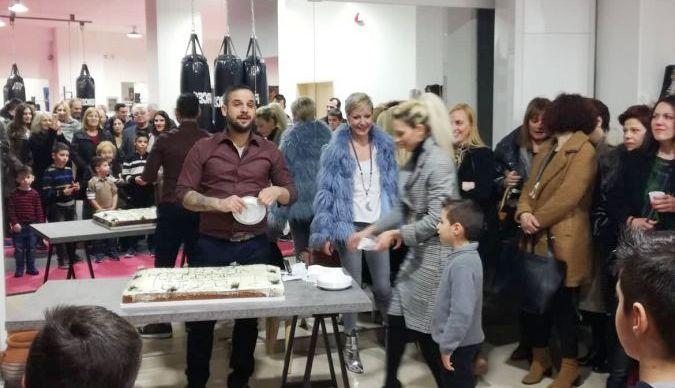 Αγρίνιο: Κοσμοσυρροή στην εκδήλωση κοπής πίτας του Gruppo Victorum (ΦΩΤΟ)