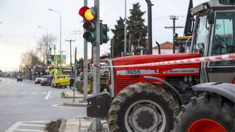«Φεύγουμε με άδεια χέρια» λένε οι αγρότες μετά τη συνάντηση με Αραχωβίτη – Φάμελλο